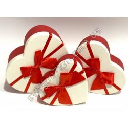 Подарочные коробочки белые Сердца с красным бантом