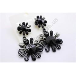 Серьги цветочки в черном металле