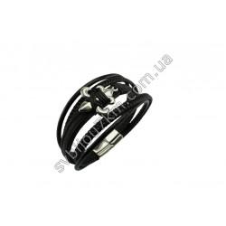 Мужской браслет из кожи с металлическим декором