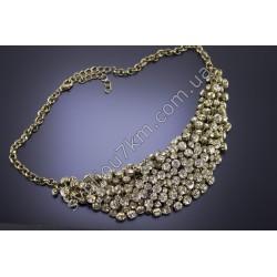 Ожерелье со стразами в лапках