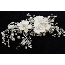 Ветка в прическу со стразами и белыми цветочками